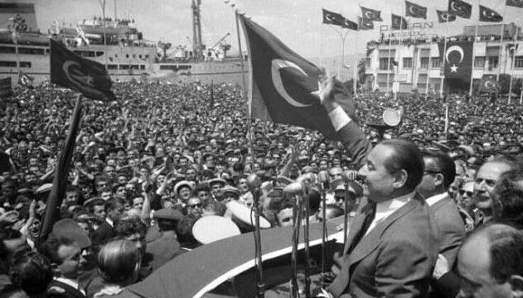 """AK Parti : """"27 Mayıslar, 12 Eylüller, 28 Şubatlar, 15 Temmuzlar tekrar etmeyecek"""""""