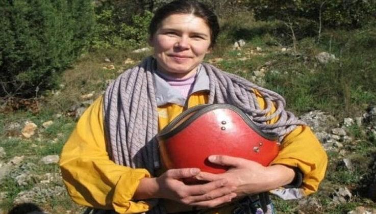 Arama kurtarma ekipleri Ukraynalı kayıp kadın dağcı için zirveye ulaştı