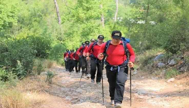 Antalya'da arama kurtarma ekipleri 6 gündür haber alınamayan dağcı için alarma geçti