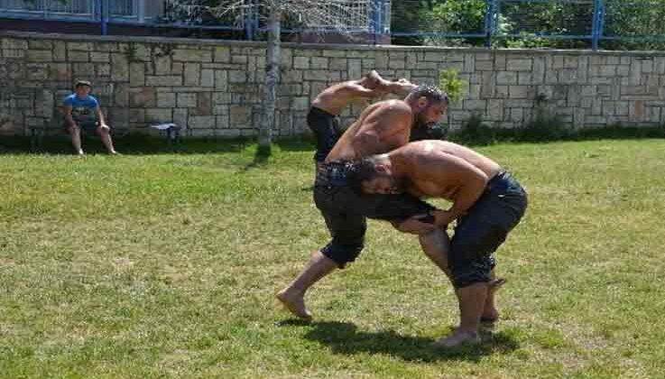 Korkutelili güreşçiler yağlı antrenmanlara başladı