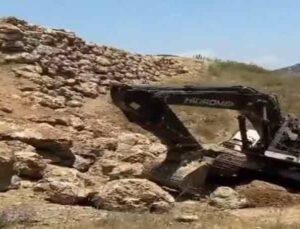 İstinat duvarı yapımında toprak kaydı: 2 yaralı