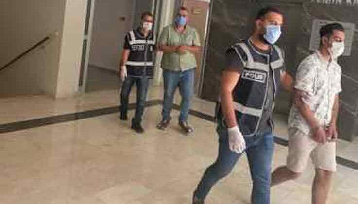 Dört ayrı işyerinden 'tırnakçılık yöntemi' ile para çalan iki şahıs yakalandı