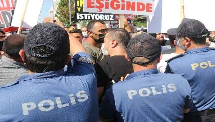 Antalya'da 40 yıldır çözülemeyen imar planı 200 kişi ile protesto edildi