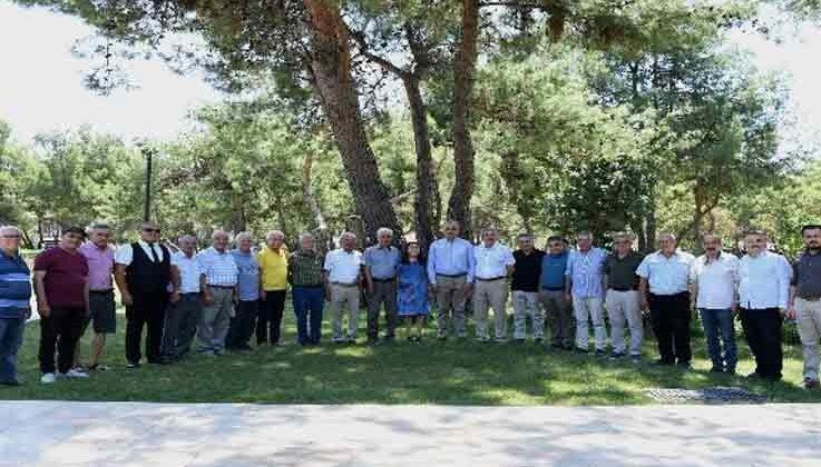 Başkan Esen, geçmiş dönem CHP meclis üyelerine çalışmaları anlattı