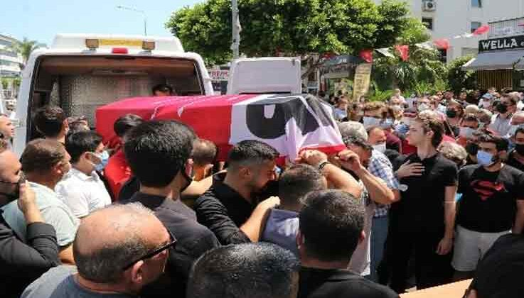 Kazada hayatını kaybeden CHP'li genç başkan son yolcuğuna uğurlandı