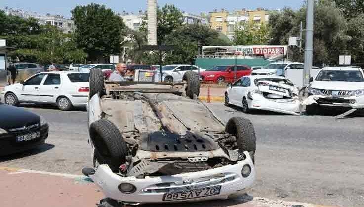 Park etmek isterken kontrolden çıkan otomobil, faciaya neden oluyordu