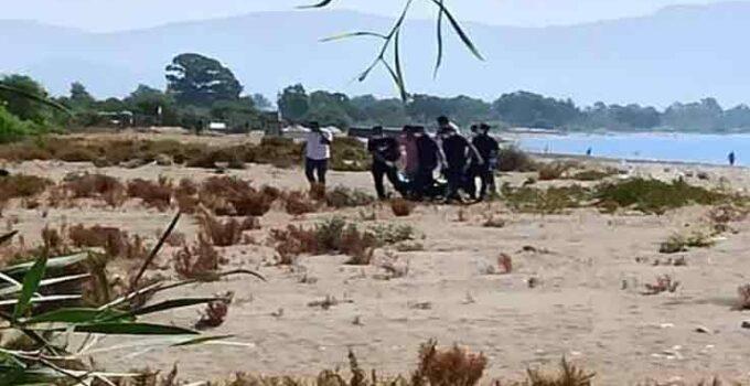 Serinlemek için denize giren yaşlı kadın hayatını kaybetti