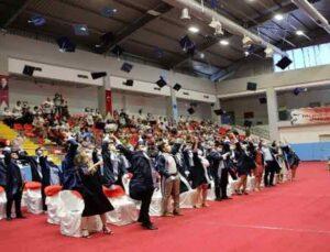 Akdeniz Üniversitesi'nin diş hekimleri mezun oldu