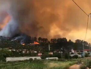 Isparta'da başlayan yangın yerleşim yerlerine ulaştı