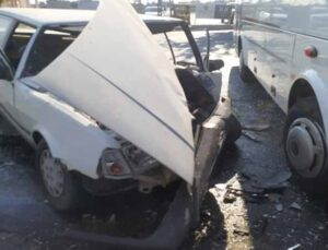 Otomobil ile midibüs kazasında 1 kişi yaralandı
